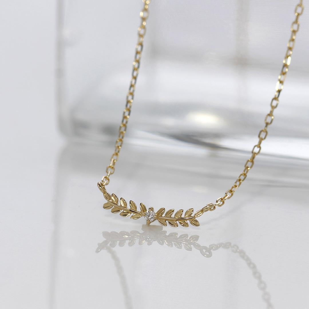 ダイヤモンド K10ネックレス・ロリエール