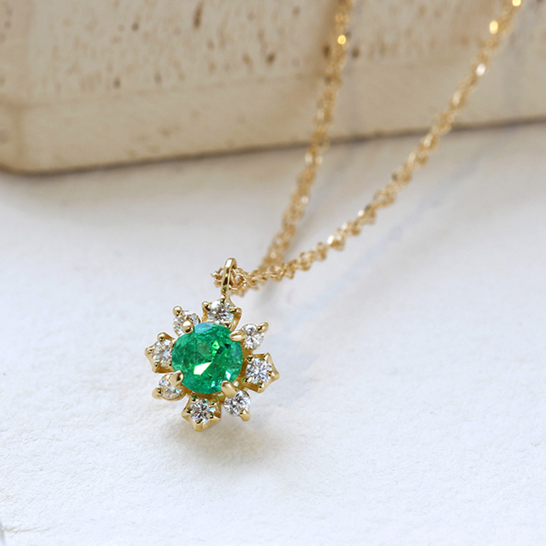 エメラルド(ザンビア産)×ダイヤモンドK18ネックレス・フルーレット