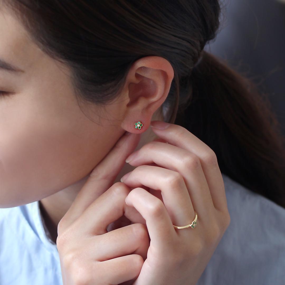 エメラルド×ダイヤモンド K18ピアス・パルテール