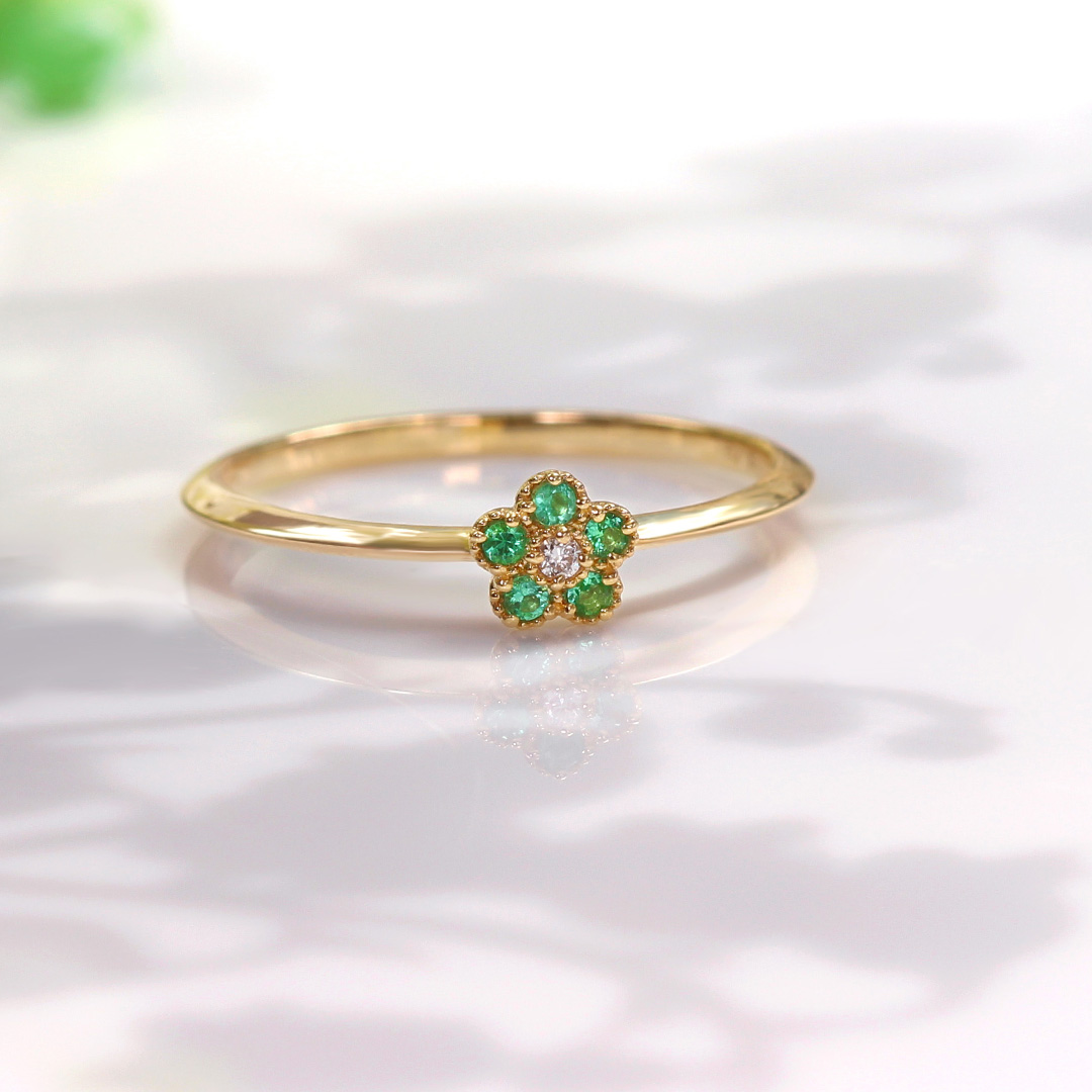 エメラルド×ダイヤモンド K18リング・パルテール