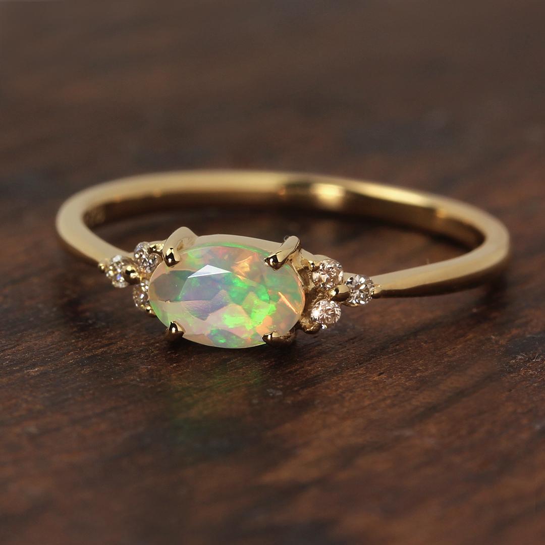 オパール(エチオピア産)×ダイヤモンド K18/PTリング・フラヴィ