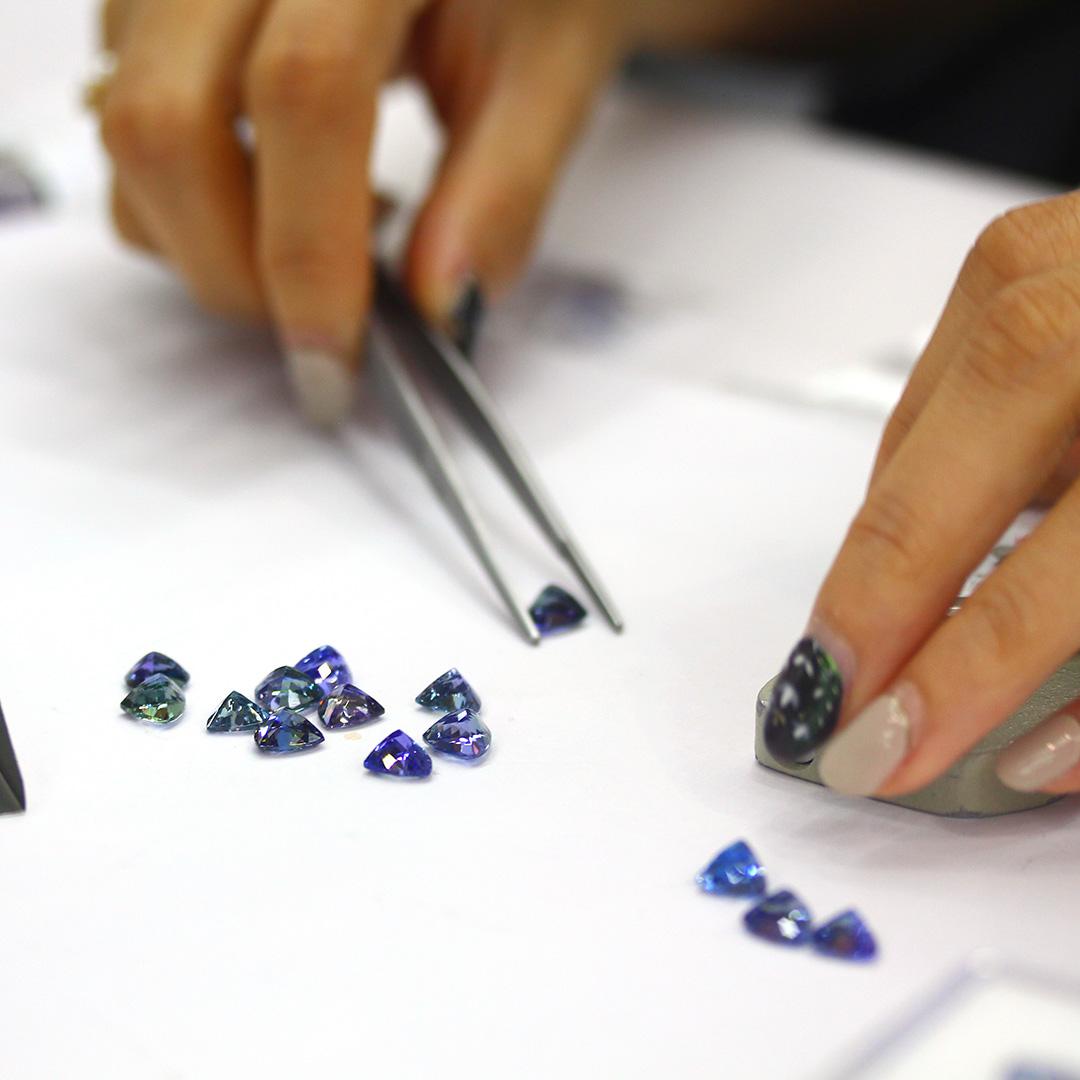 タンザナイト×ダイヤモンド K18/PTネックレス・イネス